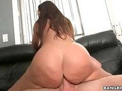 Perfectly Stacked Lisa Ann Loves Good Fucking 2