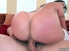 Gorgeous Slutie Enjoys Cock Riding 3